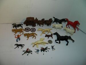 Stage Coach Mini Horses Lot Knight Horse Plastic Figures Lot