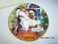 Avon - 1997 Christmas Collectors Plate - Heavenly Dreams with box 22kt trim