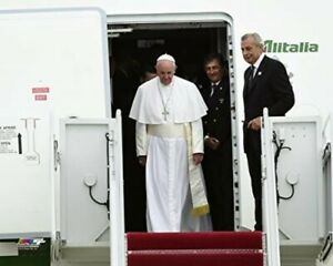 """Pope Francis Arrives in The United States Photo (Size: 8"""" X 10"""")"""