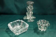 Tris composto da posacenere, portacandele e candelabro da tavolo in cristallo
