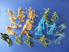 Jouets de bazar - Lot de 23 soldats dont 2 ATLANTIC. Années 19710 - 1980