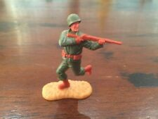 Timpo WW2 - US/ American Army - Infantryman Firing Rifle Running - GIs - 1970's