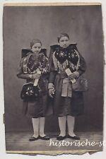 Zwei Mädchen in Tracht - Hand in Hand - Schönes Altes Foto 1900er
