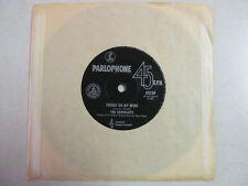 """EASYBEATS FRIDAY ON MY MIND b/w MADE MY BED: GONNA LIE IN IT AUSTRALIAN 7"""" 45"""