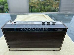 Rare Vintage Philco Ford Portable Transistor Radio Model T-240