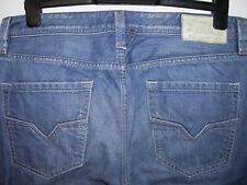 DIESEL LARKEE REGULAR FIT STRAIGHT LEG JEANS 0888B W33 L32 (5365)