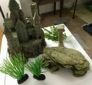 FISH TANK AQUARIUM GIANT CASTLE, ROCK FORMATION, PILLAR & PLANTS DECORATIONS LOT