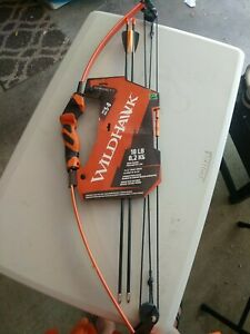 WILD HAWK 18LB BOW WITH ARROWS AGES 5-8