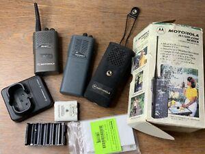Vintage Motorola HANDI-COM PORTABLE TWO-WAY RADIO Walkie Talkie Set Of 2  Lot