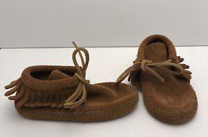Minnetonka Baby Shoe Size 8 Brown Suede Moccasin Slippers Slip on unisex infant