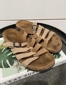 Naot Womens 38 Sandals