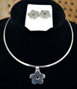 Sterling Silver .950 Set of Chocker Necklace Pendant and Earrings Flower 28 gr.