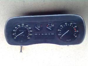 BMW E3 2500 - 3000 Tacho Kombiinstrument Schaltgetriebe 220 km/h Drehzahlmesser