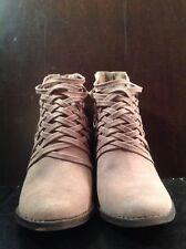 New Fergalicious Womens Weever Boot, Doe, 9.5M US