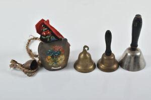 k65i13- Konvolut Glocken, ua. Tischglocken, Kuhglocke