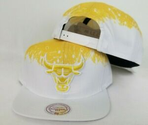 Mitchell & Ness NBA Chicago Bulls White / Yellow paint dripped snapback Hat Cap