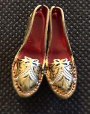 Vintage Brooch Pair Of High Heeled Shoes Gold Tone Damascene Metal