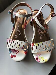 Ted Baker Floral Platform Sandals With Rose Gold Tone Size 6