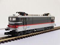 Locomotive électrique BB 25200 SNCF BB 25212 Arnold 2487 échelle N