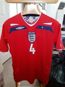 ENGLAND  GERRARD  4   FOOTBALL  SHIRT    SIZE  ADULTS MEDIUM