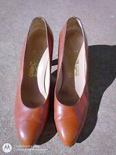 Salvatore Ferragamo Vintage Brown Leather Classic Pumps 7.5B
