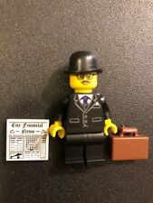 Lego Series 8 Collectible Minifigure--BUSINESSMAN With Accessories