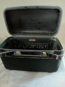 Vintage Samsonite Silhouette black Train Case with one key no tray decor travel