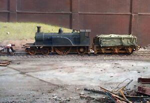 OO gauge heavily weathered withdrawn Caledonian Single locomotive. Ref 2a