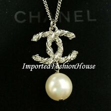 AUTHENTIC CHANEL CLASSIC CRYSTAL PEARL DROP CHARM CC DANGLE GOLD NECKLACE NEW