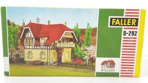 UNUSED VINTAGE FALLER B-292 HO GAUGE - TUDOR STYLE CONTINENTAL HOUSE