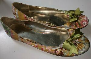 Xhilaration shoes Size 11 Bow Gold Green Flats Floral Paisley