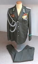 #e2120 DDR Grenztruppen Uniform eines Majors mit Orden, Abzeichen und Achsels.