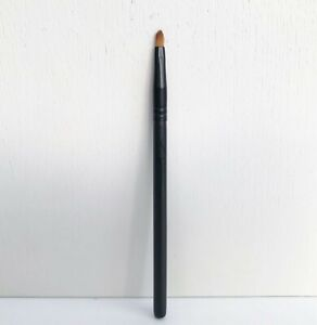 MAC 211SE Pointed Liner Brush, Medium Size, Brand New!