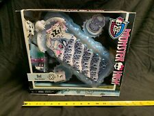 Monster High Abbey Bominable Bed Mattel 2012