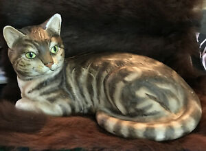 """Tabby Cat Figurine The Chancery Collection 7"""" Hand Painted Porcelain MARURI Fine"""