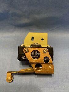 45-361117 Beechcraft Flap Switch