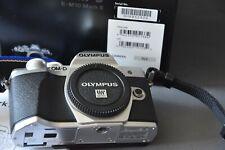 Olympus OM-D E-M10 Mark III silber, Gehäuse, neuwertig