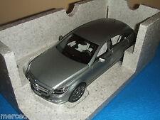 Mercedes Benz X 218 CLS Shooting Brake Designo Alanitgrau Magno 1:18 Neu OVP