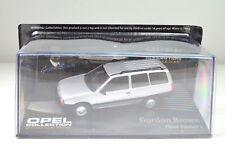 """Opel Kadett E Caravan """"Gordon Marrón"""" Plata Escala 1:43"""