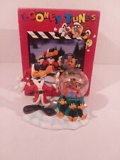 LOONEY TUNES Daffy Duck Christmas Figure With Snow Globe