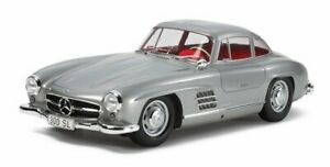 Tamiya 24338 1/24 Scale Model Sport Car Kit Mercedes-Benz 300SL Gull Wing Coupe