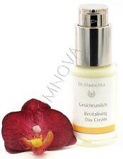 Dr. Hauschka Gesichtspflege-Produkte für trockene Haut