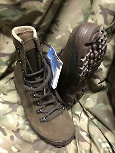 Genuine British Issue Brown Desert Meindl Boots!New With Tags! size 6 Wide