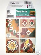 Simplicity Pattern #4414 Fat Quarter Club Christmas Tree Skirt Place Mat Napkin