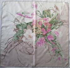 -Superbe Foulard VALENTINO   100% soie  TBEG vintage scarf  85 X 88 cm