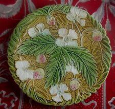 ancienne assiette barbotine decor de fraise epoque 1900
