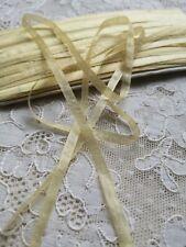 Ruban ancien Pure soie à broder 5mm, fleurs, habit poupée, chapeau, doll dress