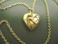 """VINTAGE DAINTY GOLDTONE HEART LOCKET WITH ROSES PENDANT 16"""" LONG NECKLACE"""