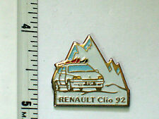 1992 Renault Clio Auto Pin Badge (#010)
