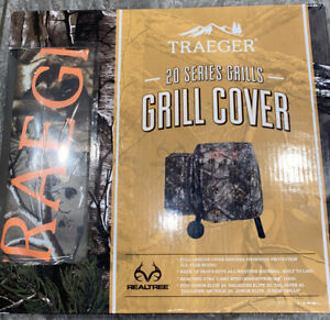 Traeger Realtree 20 Series Full Length Camouflage Heavy Duty Grill Cover